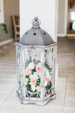 Large entranceway lantern arrangement