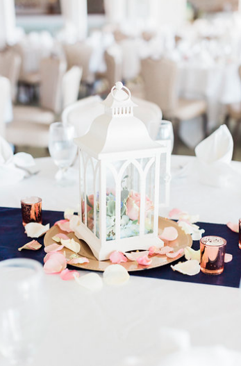 Table lantern centerpiece arrangement